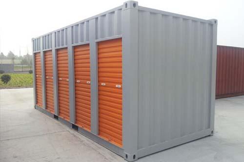 almacenes con contenedores marítimos